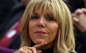 Дружина арештованого в РФ журналіста Сущенка попросила про допомогу першу леді Франції