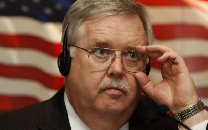 Американський дипломат зробив заяву щодо зброї для України