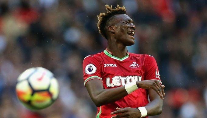 Форвард Суонси Абрахам ведет переговоры о выступлениях за сборную Нигерии