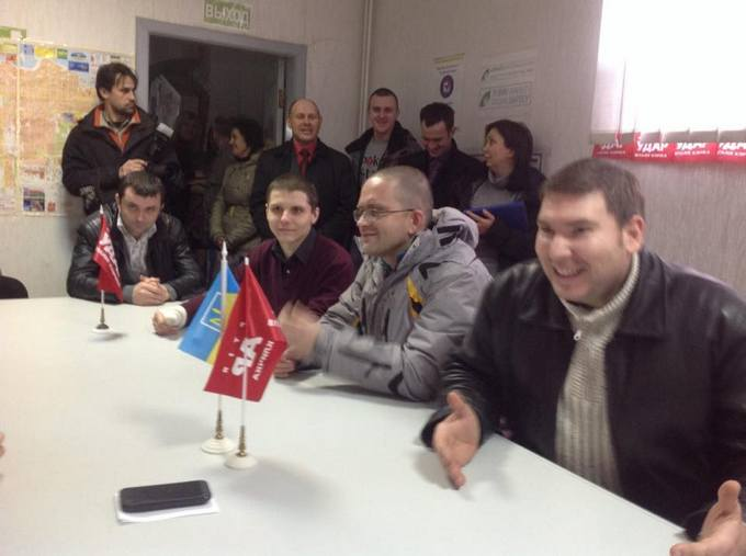 На Донбассе погиб помощник депутата Геращенко (4)