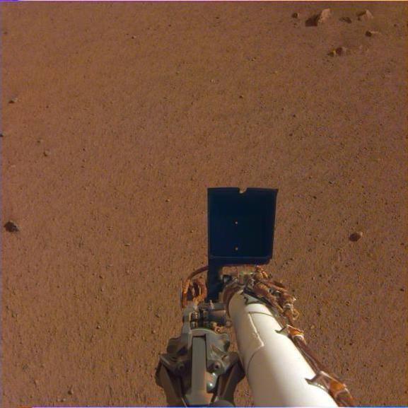 Шум вітру і перше селфі: NASA опублікувало сенсаційні записи з Марса (3)