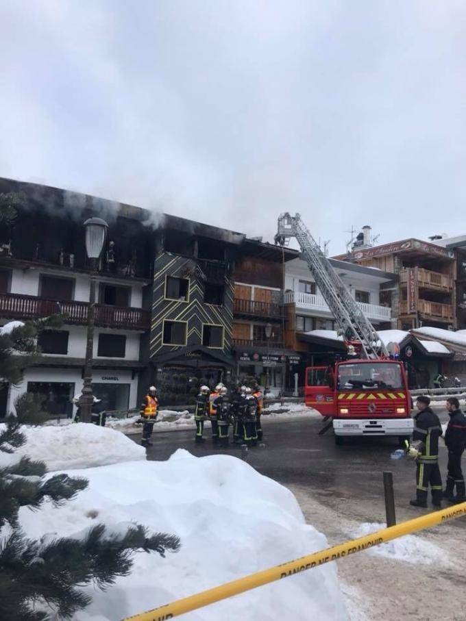 На элитном курорте Куршевель произошел смертельный пожар, есть жертвы: жуткие видео (2)
