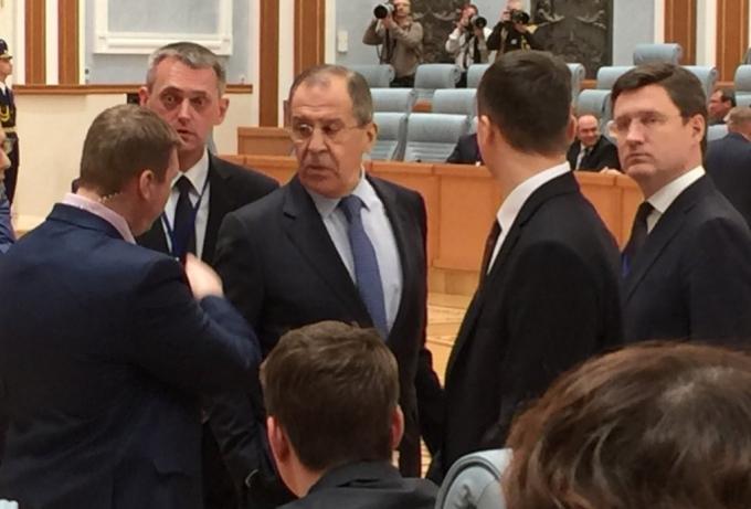 Опубликованы фото бесприютного Лаврова на встрече Путина и Лукашенко
