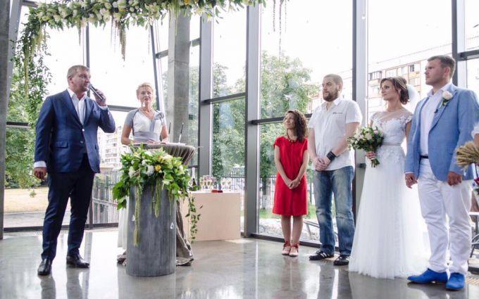 Київ приєднався до пілотного проекту Мін'юсту «Шлюб за добу»