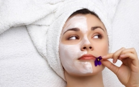 Как в жару сохранить кожу молодой и красивой: советы косметологов