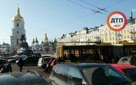 Киевляне наказали любителя наглой парковки: опубликованы фото