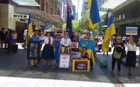 В мире протестуют против Путина и войны с Украиной, акции прошли даже в России: появились фото и видео