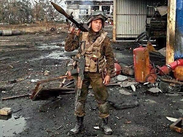 """В Україні з'явився пам'ятник наймолодшому """"кіборгу"""": опубліковано фото (1)"""
