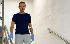 """Схожі всі симптоми - розробник отрути """"Новачок"""" раптово вибачився перед Навальним"""