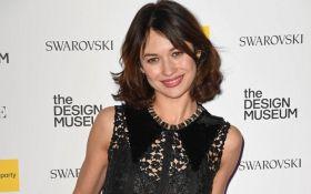 Дівчина Бонда покрасувалась на модній вечірці в мереживній сукні: з'явилися фото