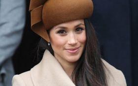 Шляпку Меган Маркл в Twitter сравнили с популярным смайликом