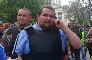"""Сотника """"Миколу"""", стрялевшего по Дому профсоюзов, отпустили под домашний арест"""