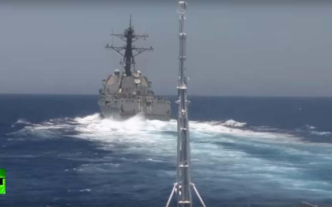 Кораблі Росії та США відзначилися в новому військовому інциденті: з'явилося відео