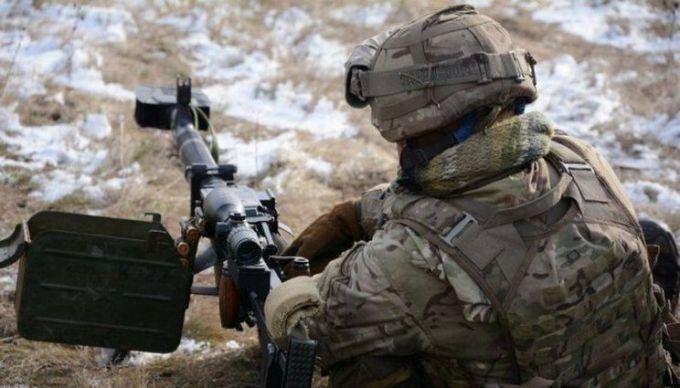 На Донбассе боевики обстреливают силы АТО из запрещенной артиллерии: есть раненые