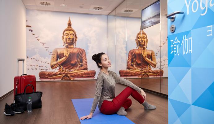 Аеропорт Германии тоже проводит йогу для пассажиров