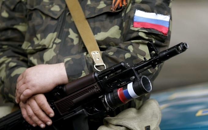 Росіян привозять, а місцеві біжать: стала відома обстановка на окупованому Донбасі