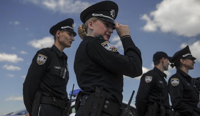 """""""Беркутівця"""", якого суд зняв з посади, взяли до поліції"""