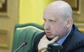 Турчинов розповів, як повісить прапор України над Донецьком: соцмережі в захваті