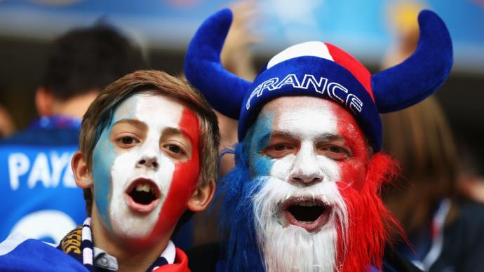 Евро-2016: хронология матчей третьего тура в группе А (17)