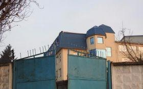 Порошенко и СБУ высказались по обстрелу Генконсульства в Польше