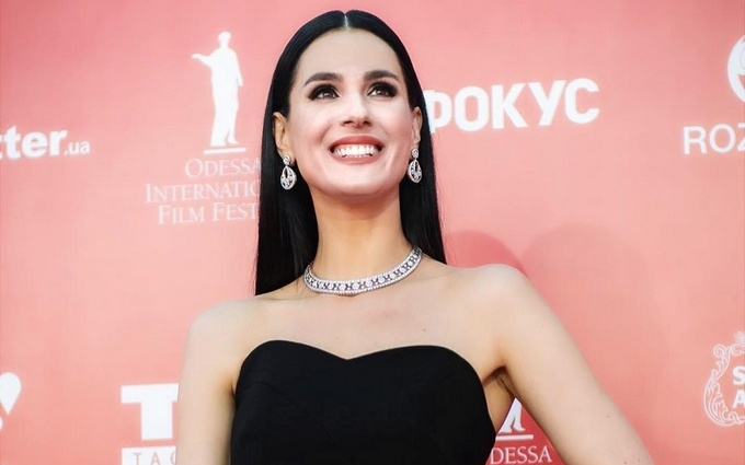 На Одеському кінофестивалі зірки блищали вбранням: опубліковані фото