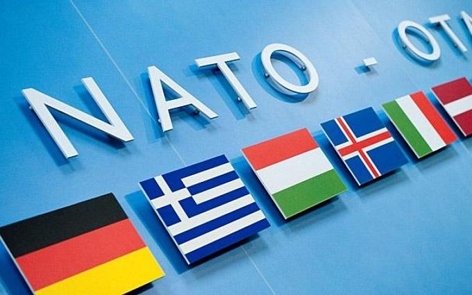 У НАТО посперечалися через можливість діалогу з Росією