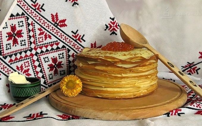 Масляна в Україні: як за рік подорожчали продукти на млинці