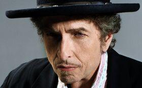 Боб Дилан изменил свое решение насчет Нобелевской премии