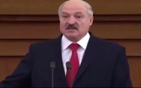 С Лукашенко случился курьез во время ежегодного послания: появилось видео