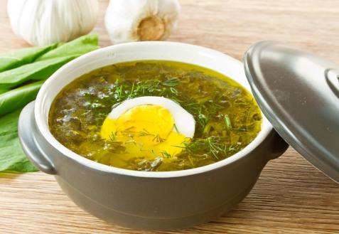 Щавелевый суп с копченостями
