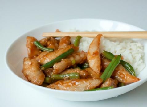 Стир-фрай из рыбы с зеленой фасолью