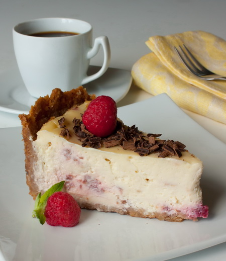 Малиновый чизкейк с белым шоколадом