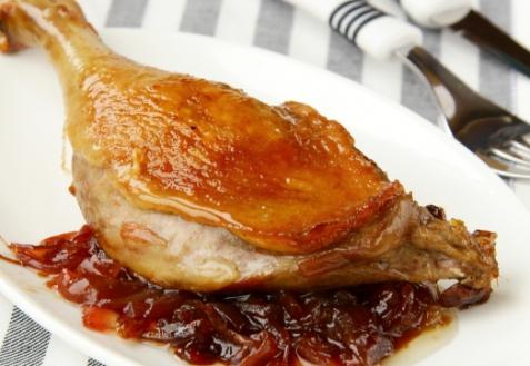 Рецепт - Утка со сливами