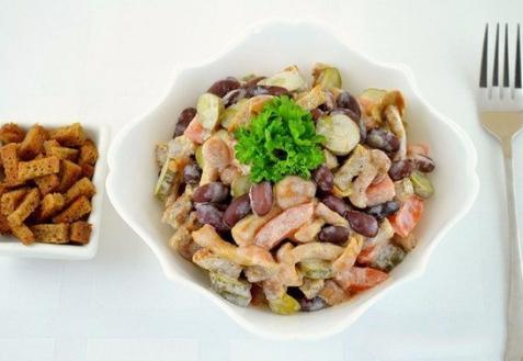 Салат с фасолью и грибами (видео)