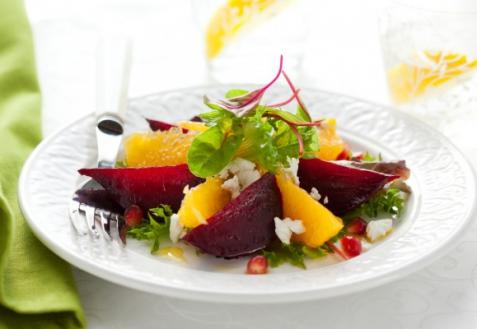 Постный салат со свеклой и апельсинами
