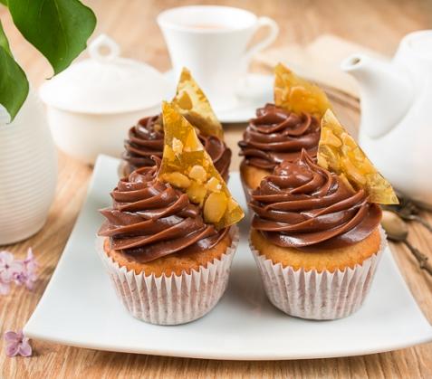 Ванильные капкейки с шоколадно-ореховым кремом