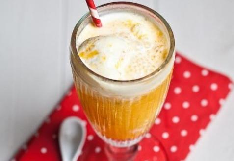 Рецепт - Апельсиново-ананасовый коктейль с мороженым
