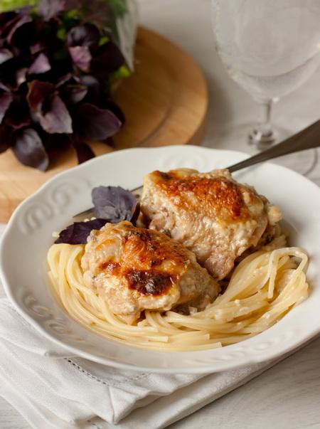 Куриные ножки в сливочном соусе с сыром дор блю