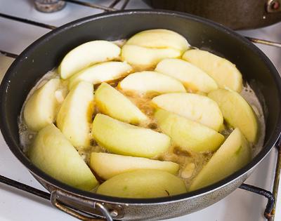 Жарим яблоки