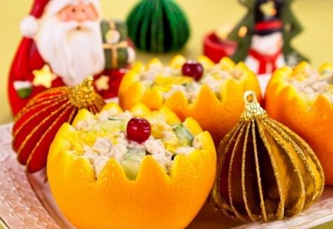 Рецепт на Новый год: Салат в апельсинах