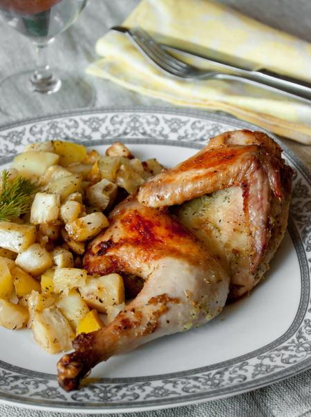 Цыплята, запеченные с картофелем и сельдереем