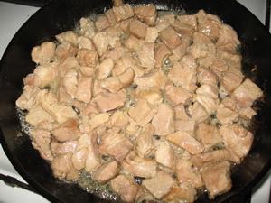Жарим мясо
