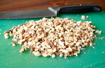 Рубим орехи
