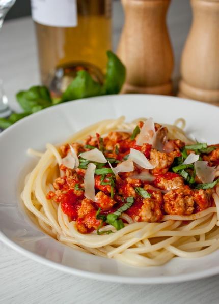 Спагетти с перечно-мясным соусом