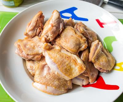 Жарим курицу