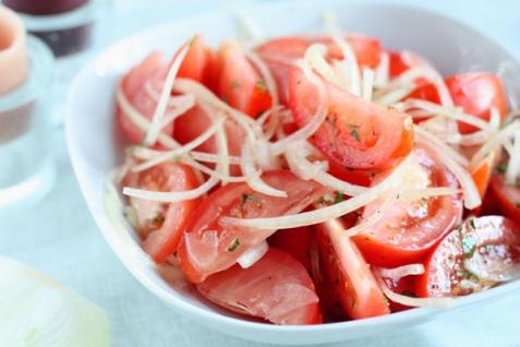 Рецепт - Салат из помидоров
