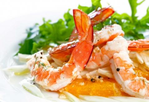Рецепт на Новый год: Салат с креветками и мандаринами