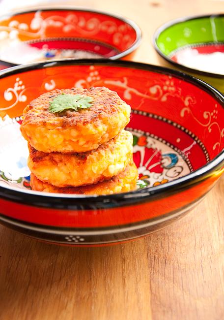 Рецепт - Сырники с морковью, кумином и кориандром