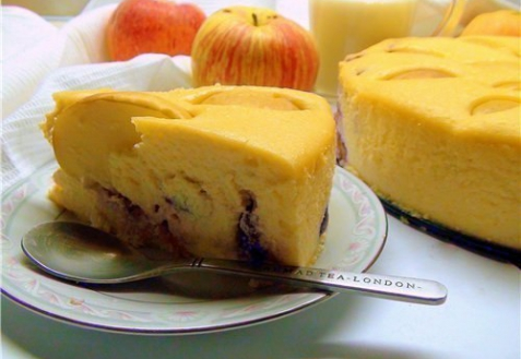 Рецепт - Творожная запеканка с черносливом и яблоками