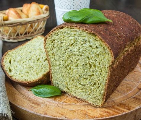 Шпинатный хлеб с цельнозерновой мукой